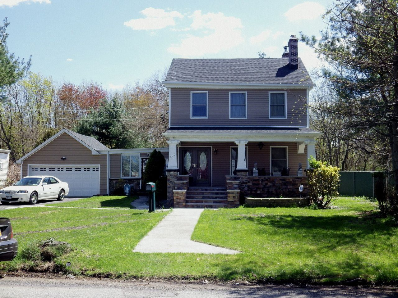 Wandering New York - A house in Pleasant Plains, Staten Island ...