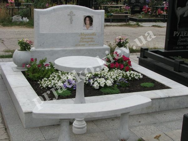 Памятник на кладбище фото и цены цены на памятники могилев эстемед
