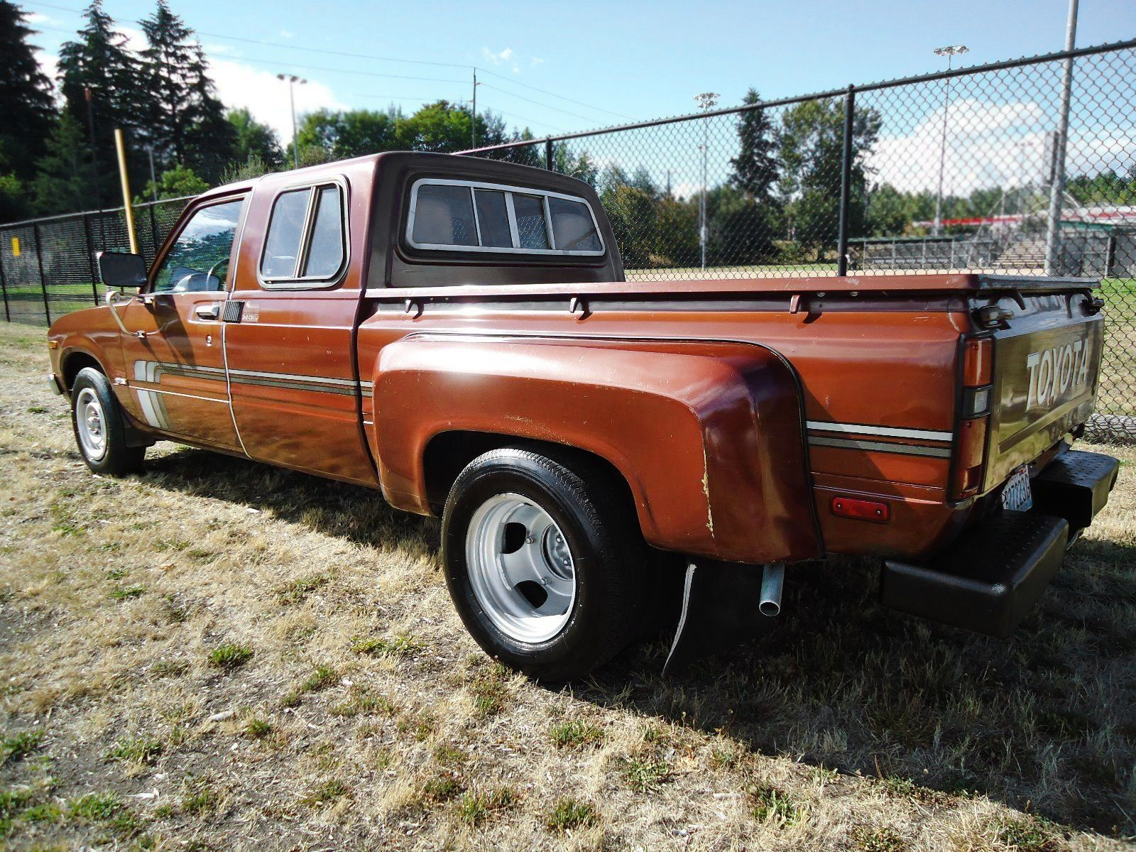 dually duel 1979 toyota sr5 extended cab pickup toyota pinterest toyota. Black Bedroom Furniture Sets. Home Design Ideas