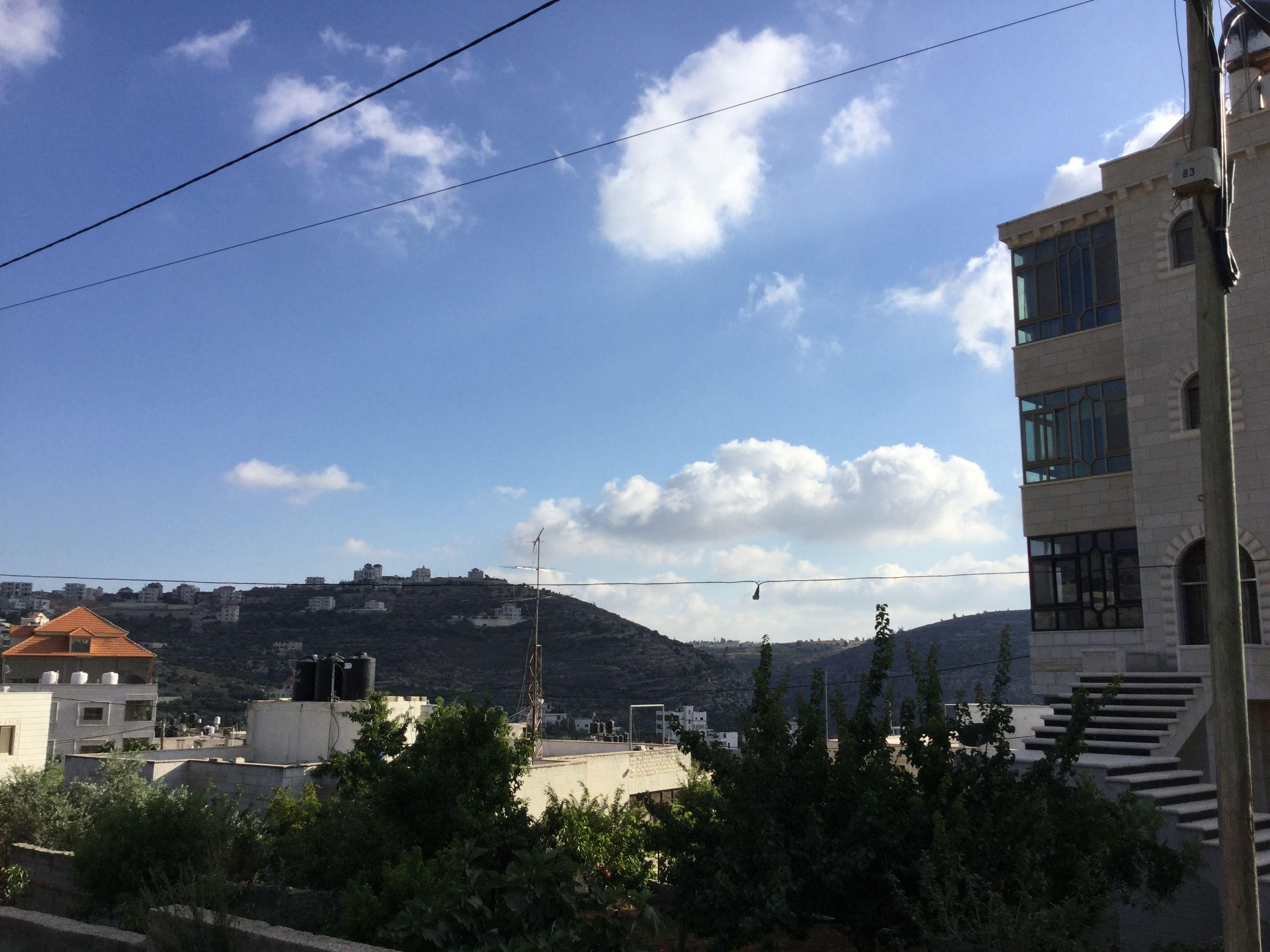 قرية عين يبرود Outdoor Clouds