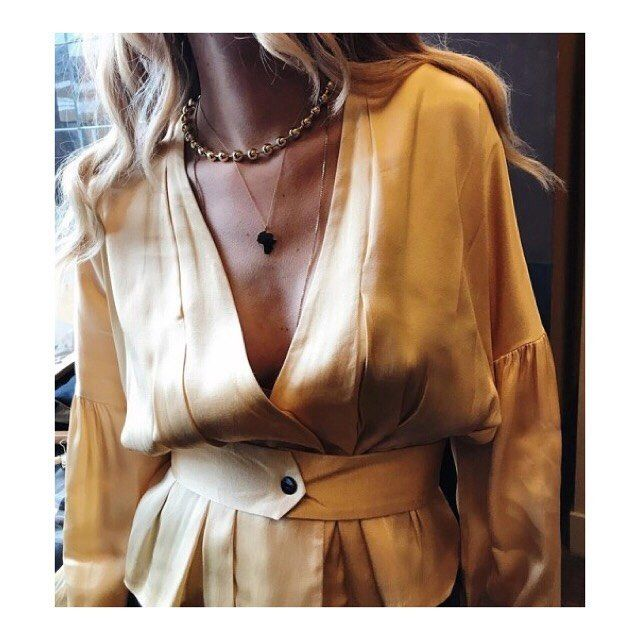 s a t u r d a y  n i g h t  s t y l e  . . . . . #saturdaynight #fashion #fashiongram #style #pretty #beautiful #lookbook #outfit #clothes #fashionista #instastyle #instafashion #outfitpost #fashionpost