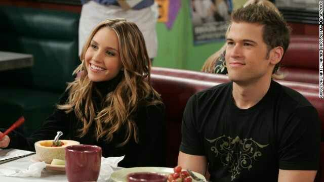 Nick Zano and Amanda Bynes as Vince & Holly from What I Like About You (2002-2006)