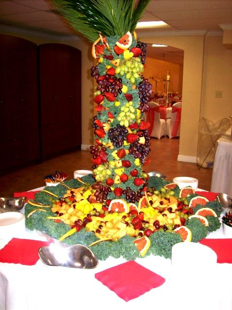 Use Lettuce For Fruits To Go On Fruit Tables For Weddings | Fruit Sculpture