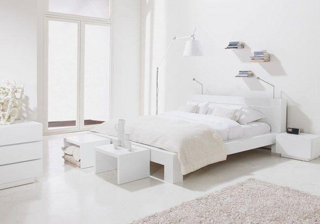 Спальня в белых тонах: фото в интерьере, примеры дизайна ...