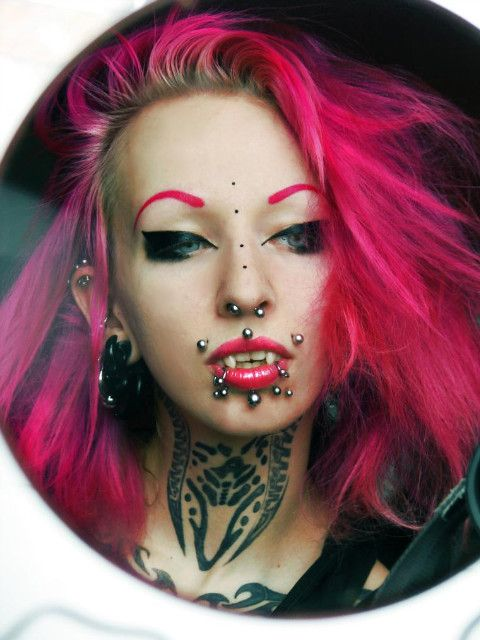 Inked and pierced german babe suck and swallow