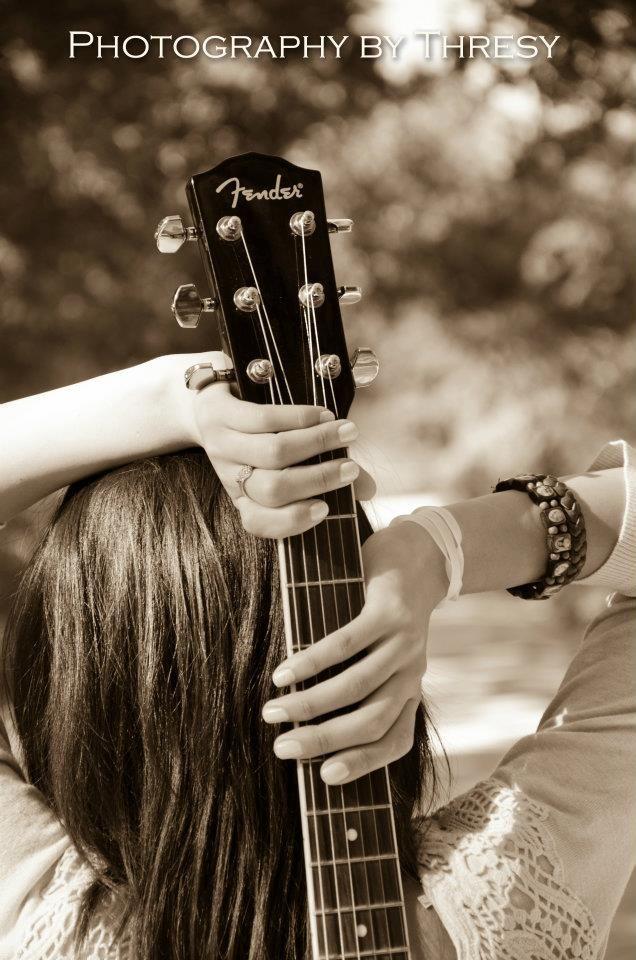 girl with guitar pose