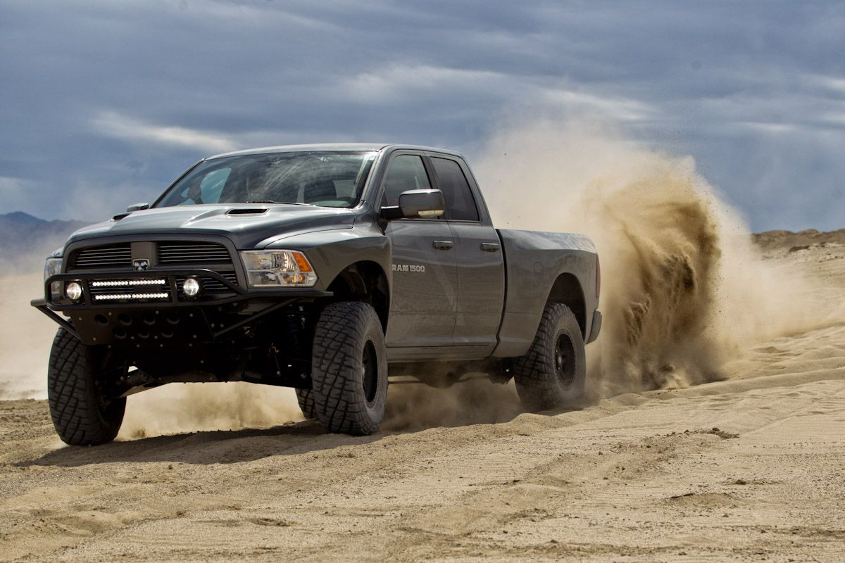 """Ford SVT Raptor 2013 Vs Ram Runner 2013.HD"""