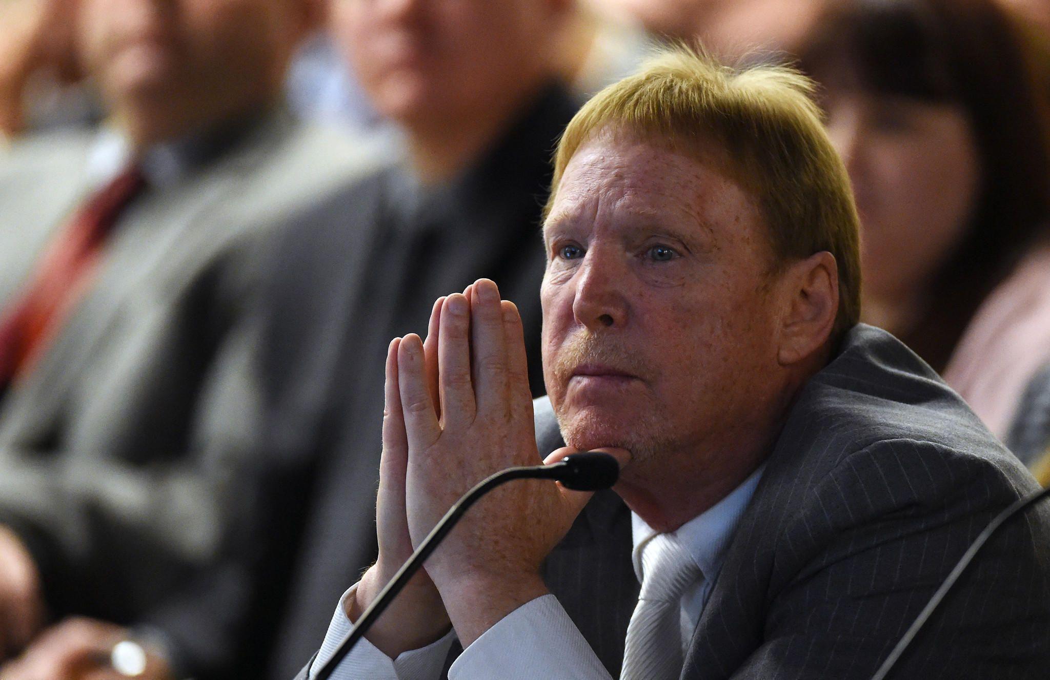 Raiders studying Las Vegas option Moving to las vegas