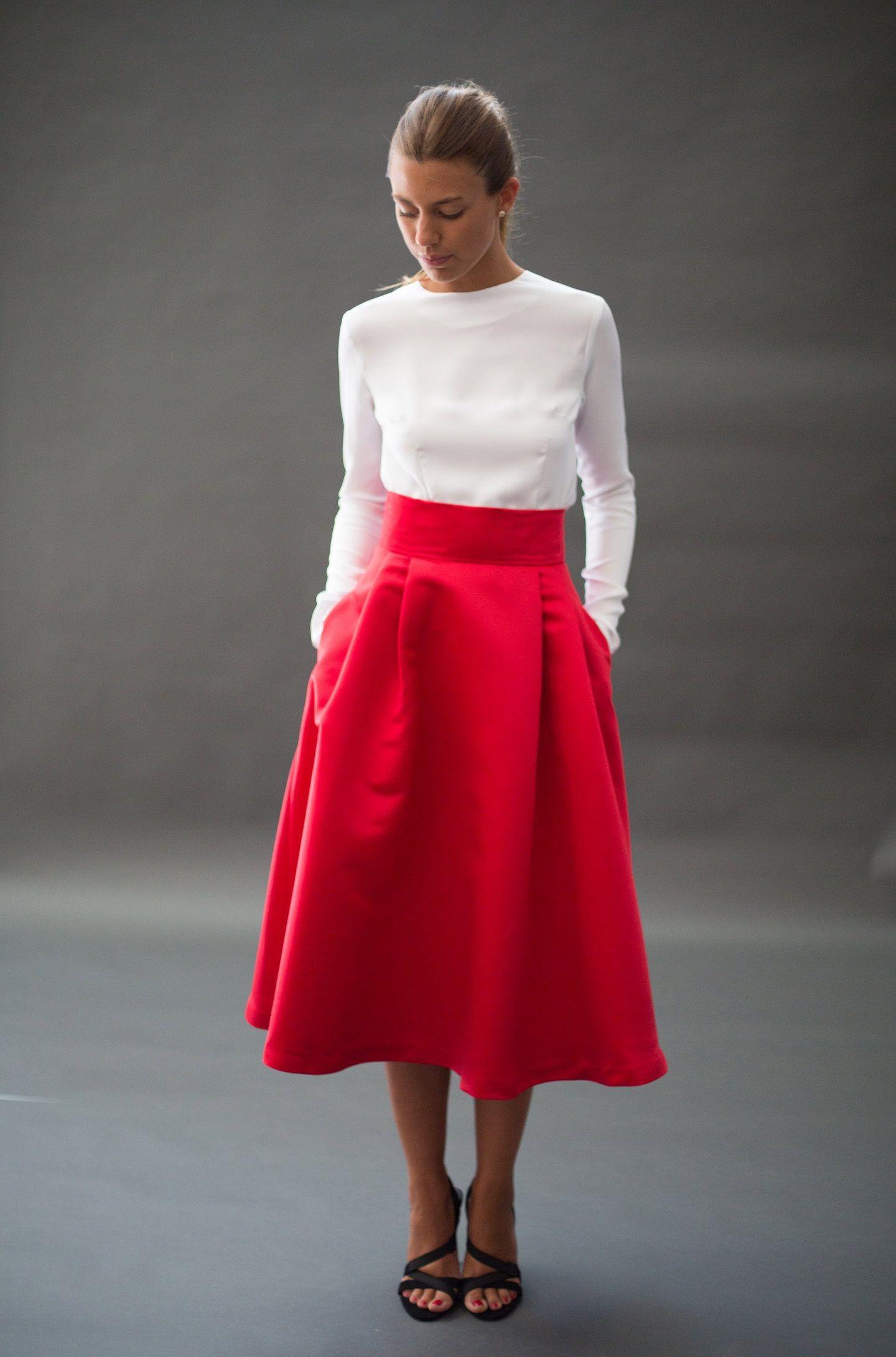 Estrena las faldas para chica de otoño invierno de Bershka. Minifaldas, faldas largas o midi vaqueras, de tul o efecto cuero ¡para ganar puntos extra!