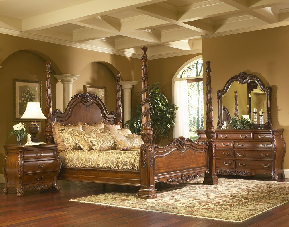 King Charles Bedroom Furniture Set Collection with Poster Bed ...
