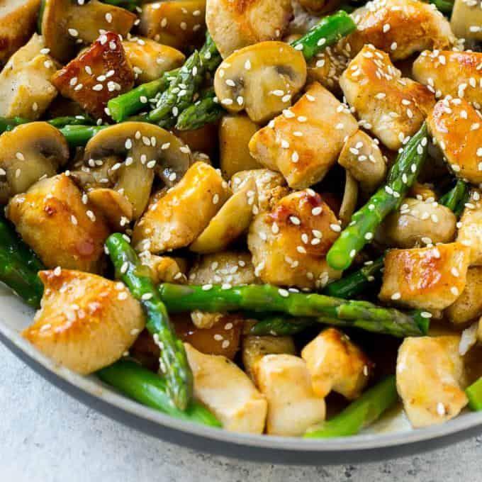 Easy Chicken Asparagus Stir Fry #healthystirfry