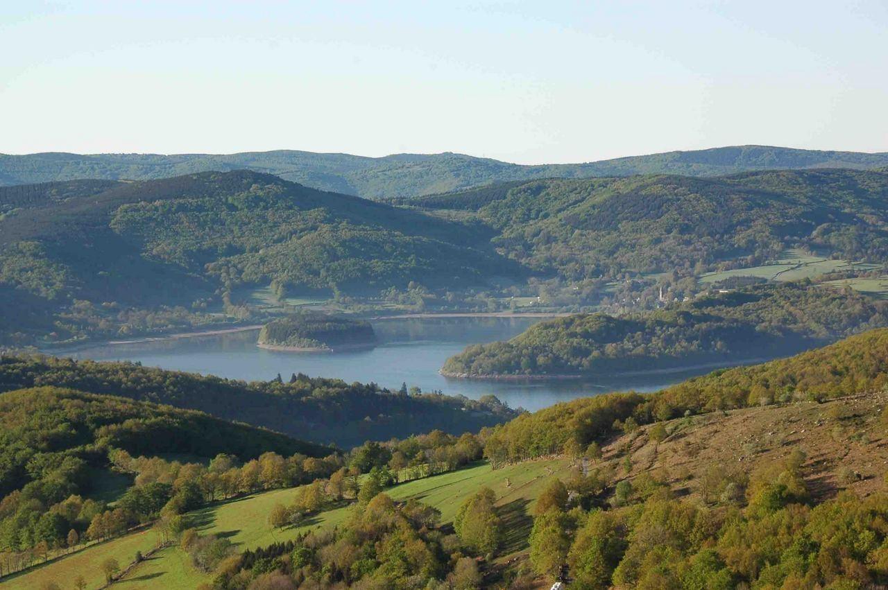 Lac Du Laouzas Est Situe A Une Altitude De 790 M Dans Les Monts De Lacaune Tarn Tourisme Office De Tourisme Brousse Le Chateau