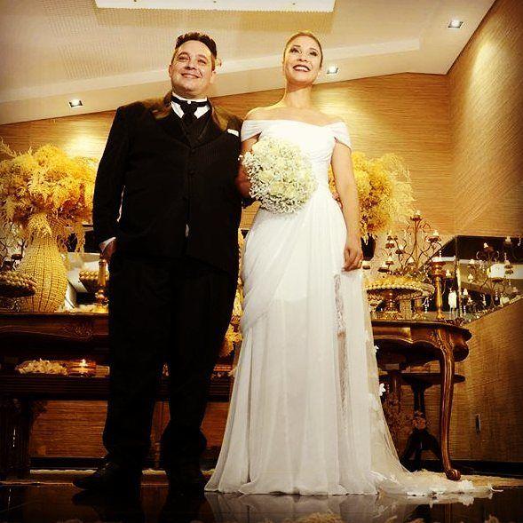 Carol noiva linda do Ateliê #amei #noivasdobrasil #noivas2016 #vestido #altacostura #hautecouturedress #casorio #casamento #widding #white