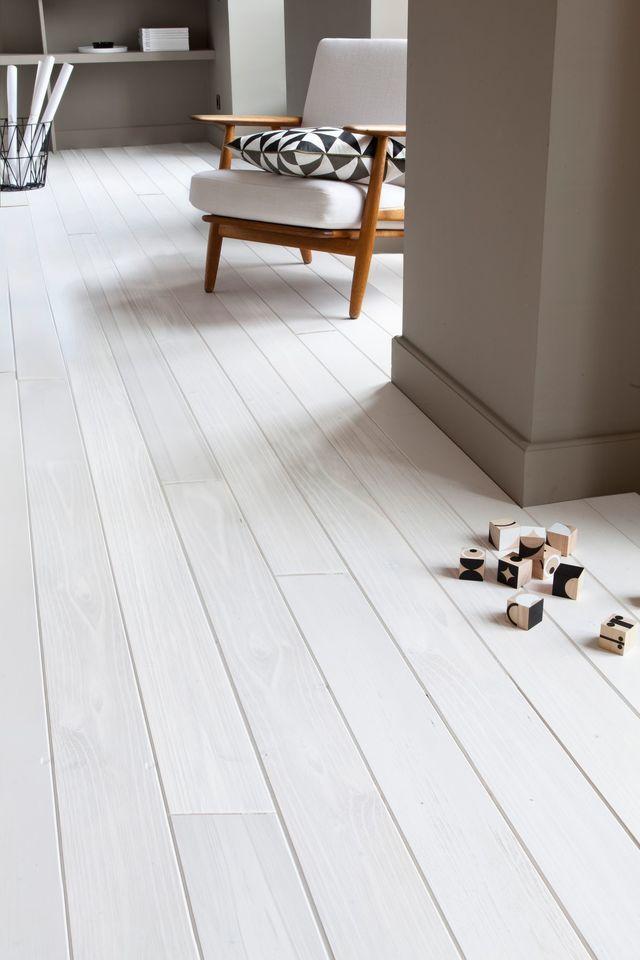 Mur Blanc Ou En Couleur Comment Reveiller Votre Interieur Peinture Parquet Parquet Blanc Et Peindre Parquet