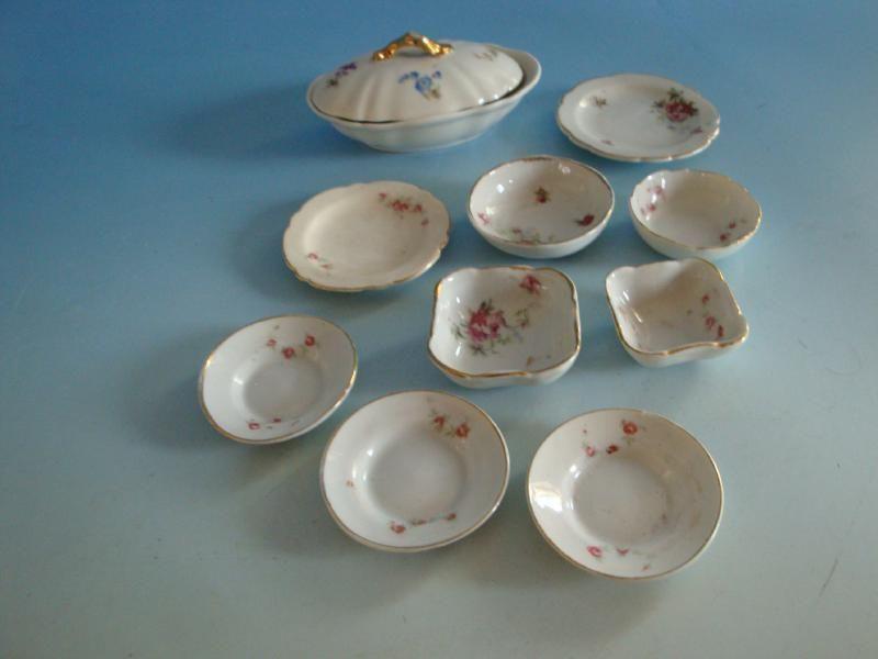 1115A1-469: Konvolut Porzellan Streublume um 1900 für Puppenstube