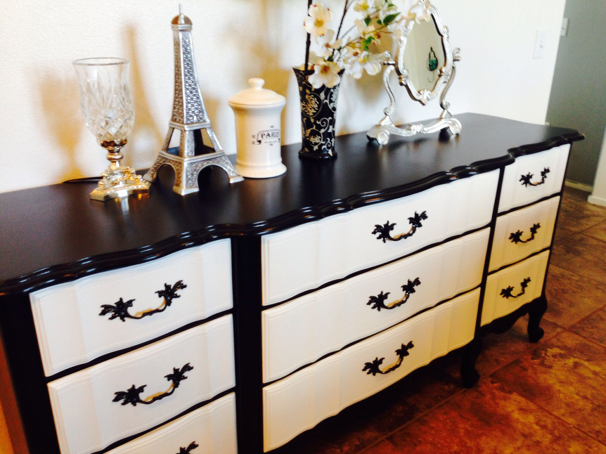 perfectly painted french provincial black and white dresser diy perfectly painted french. Black Bedroom Furniture Sets. Home Design Ideas