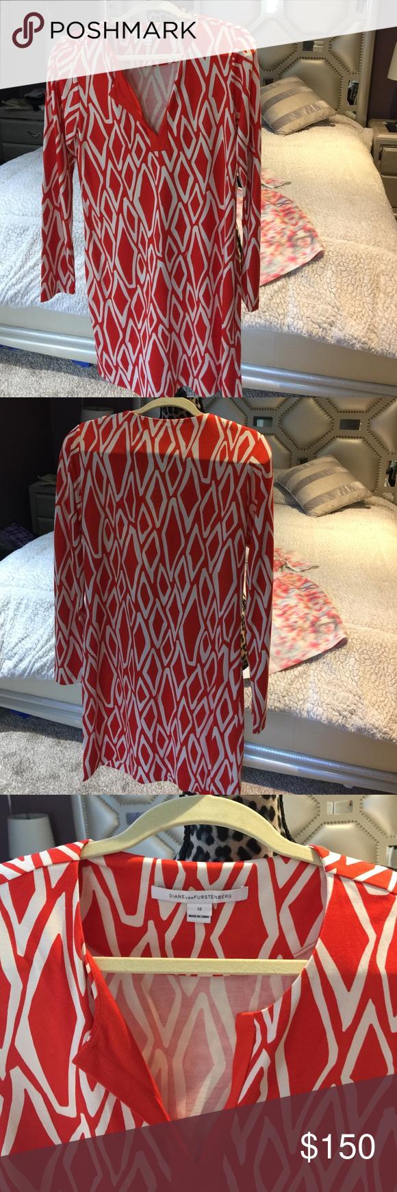 Coral/white Reina Diane Von Furstenberg dress new & never worn, no tags #orange #DianeVonFurstenberg #dress. 3/4 sleeve. Never worn. Size 12. Perfect for #summer. Diane von Furstenberg Dresses Midi