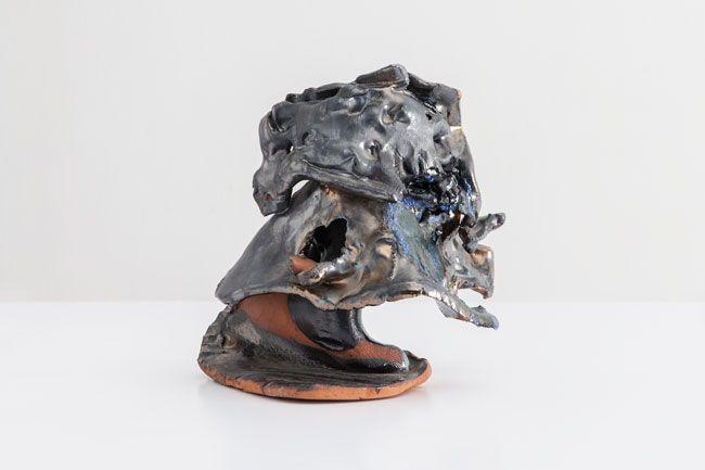 Lynda Benglis, Terracotta Helmet