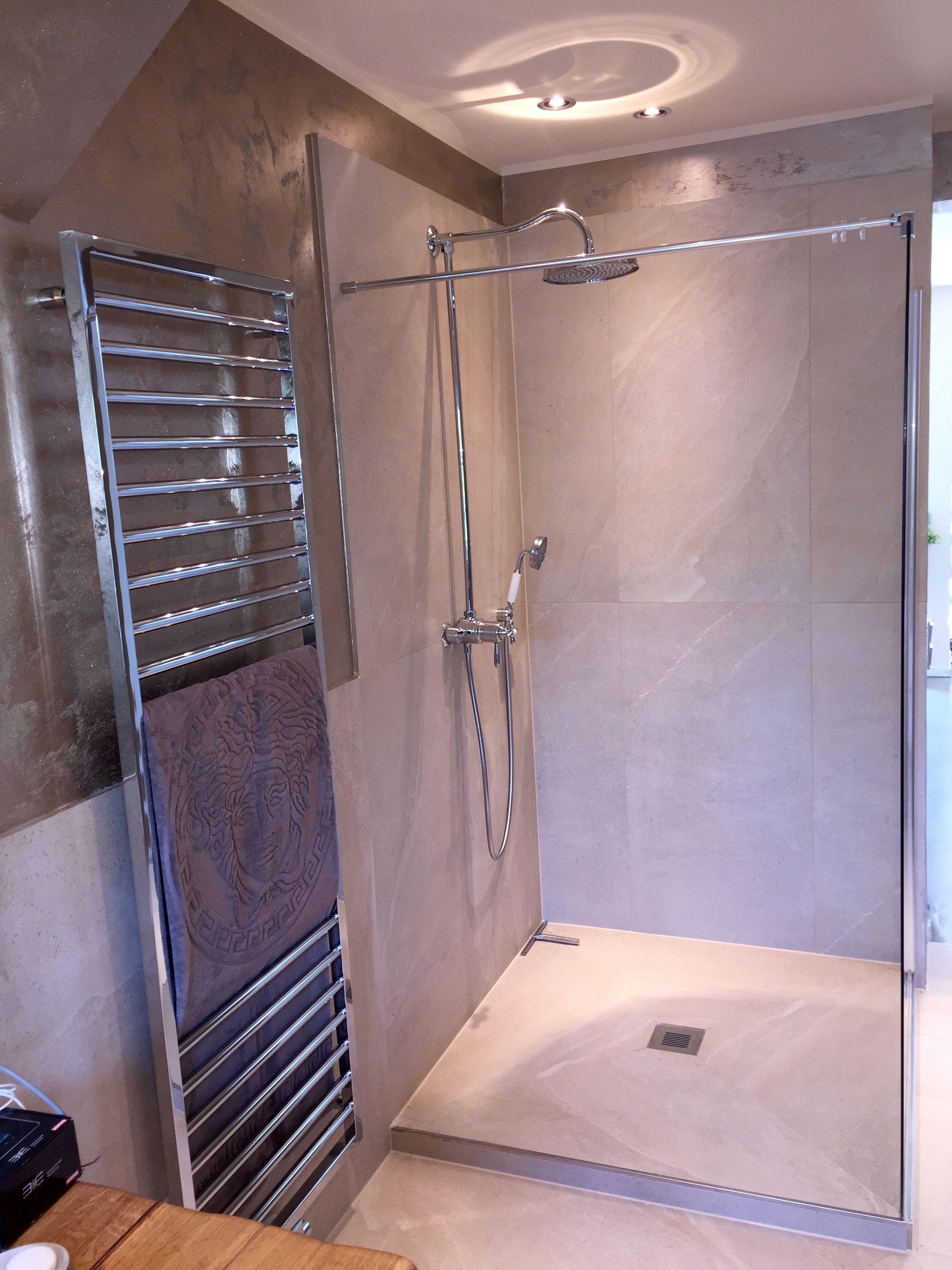 BF 70 als Montage auf dem Estrich mit Duschsystem und