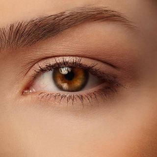 7 essential eye makeup tips for women over 40