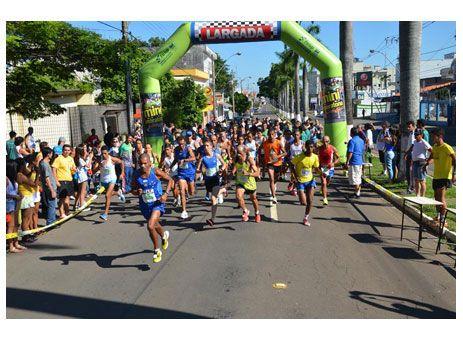 Inscrição para Mini Maratona da Fesp termina nesta quarta http://www.passosmgonline.com/index.php/2014-01-22-23-07-47/esporte/2933-inscricao-para-mini-maratona-da-fesp-termina-nesta-quarta