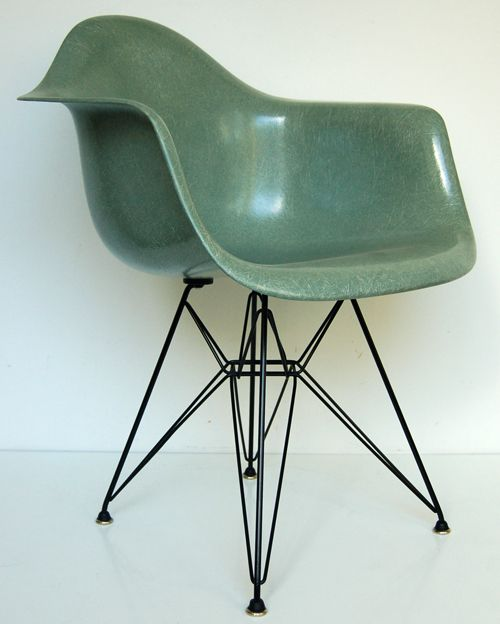 Www Modernconscience Com Vintage Eames Chair Chair Design