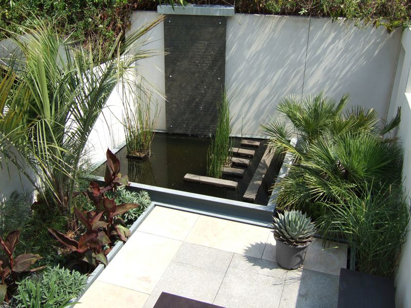 contemporary garden design project in hampton hill philip nash design - Garden Design On A Hill