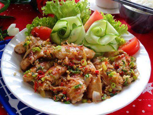 Cánh gà chiên hành nhìn là muốn ăn - http://congthucmonngon.com/93700/canh-ga-chien-hanh-nhin-la-muon-an.html