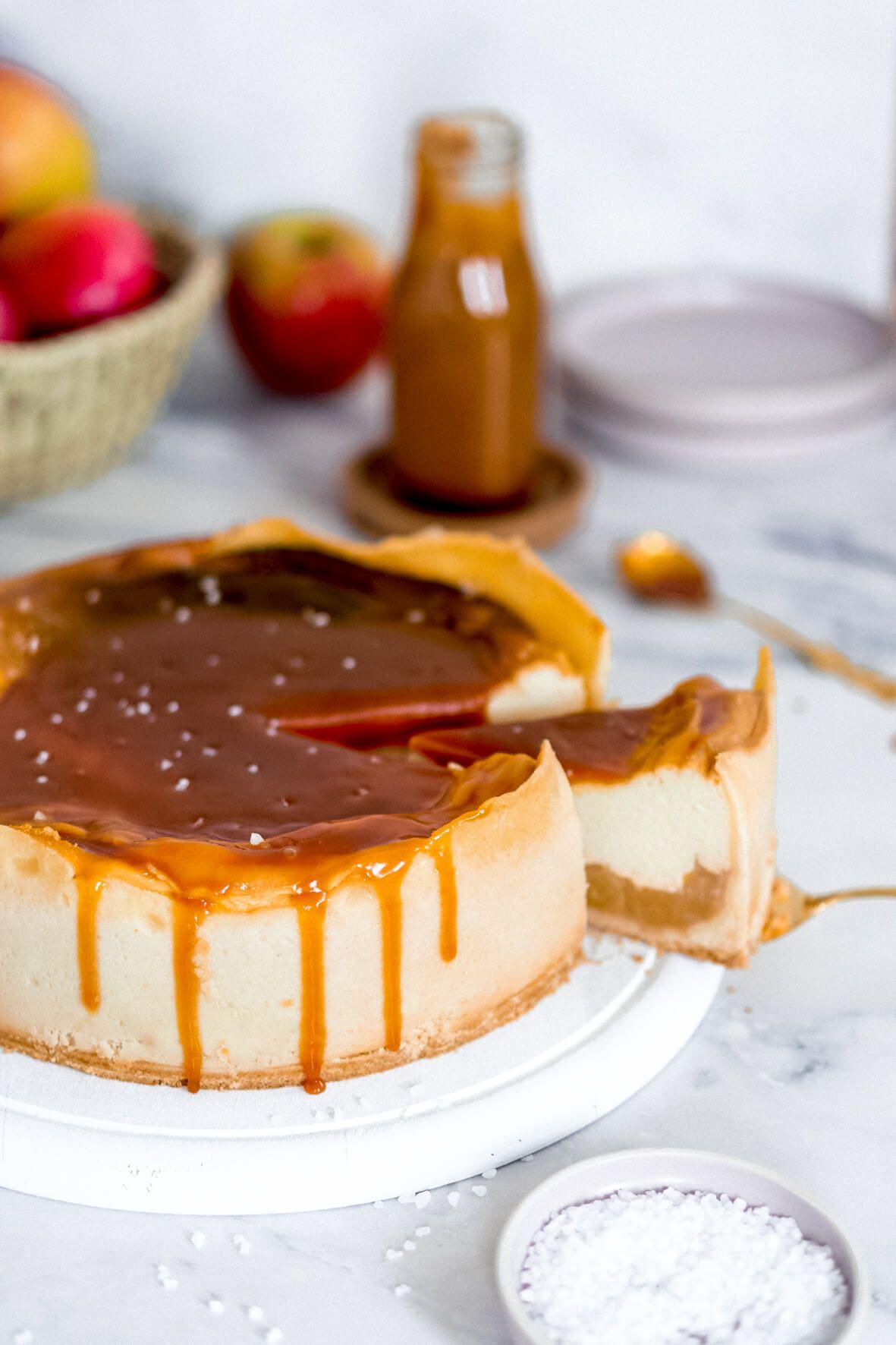 Apfel-Käsekuchen mit Salzkaramell *Cheesecake-Sunday*   Mein Naschglück