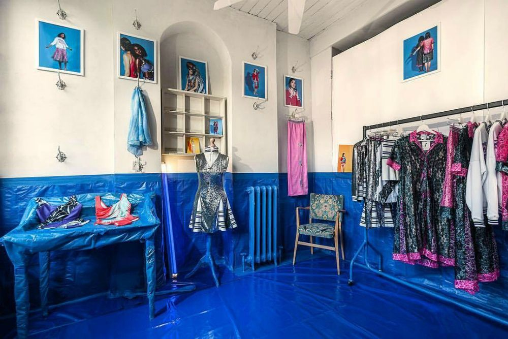 This pop up store designed with oilcloth and