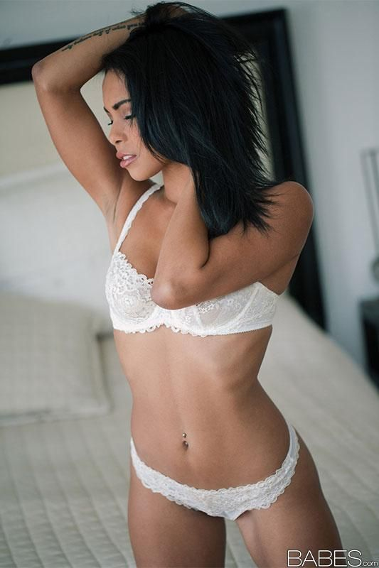 Guiliana Alexis Wearing A Sexy Lace Lingerie