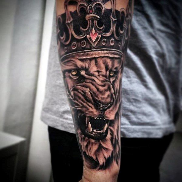 05566895c 100 Crown Tattoos For Men - Kingly Design Ideas | tatt | Lion tattoo ...