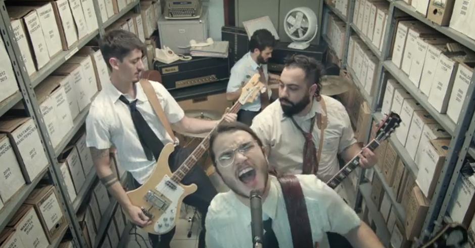 Direção de arte para o clipe da banda The Original Blackjacks. http://vivero.com.br/portfolio/im-gone/