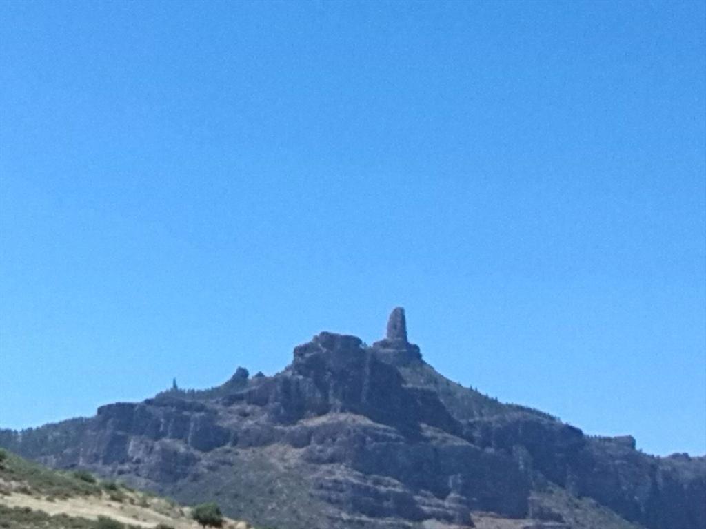 El Roque Nublo se viste de azul. @MancomunidadNGC @tejedadigital @Love_Canarias @EmocionesCan @GloriaThalasso