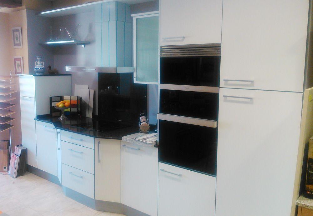 Dise o de cocina de nuestro cliente decorcuina de - Cocina con microondas ...