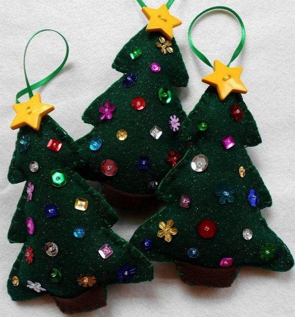 Christmas Tree Cartoon The Christmas Chronicles Dad But Christmas Trees For Sale On Amazon Around C Felt Christmas Tree Felt Christmas Felt Christmas Ornaments