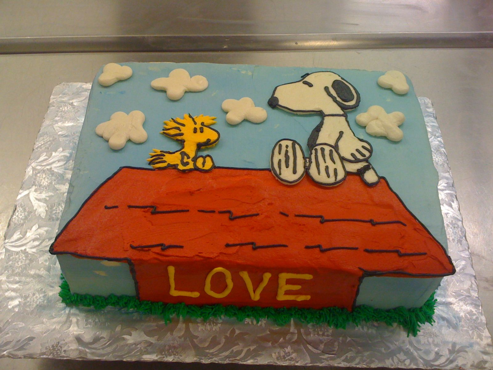 peanuts birthday cake Snoopy and Woodstock Love Birthday Cake