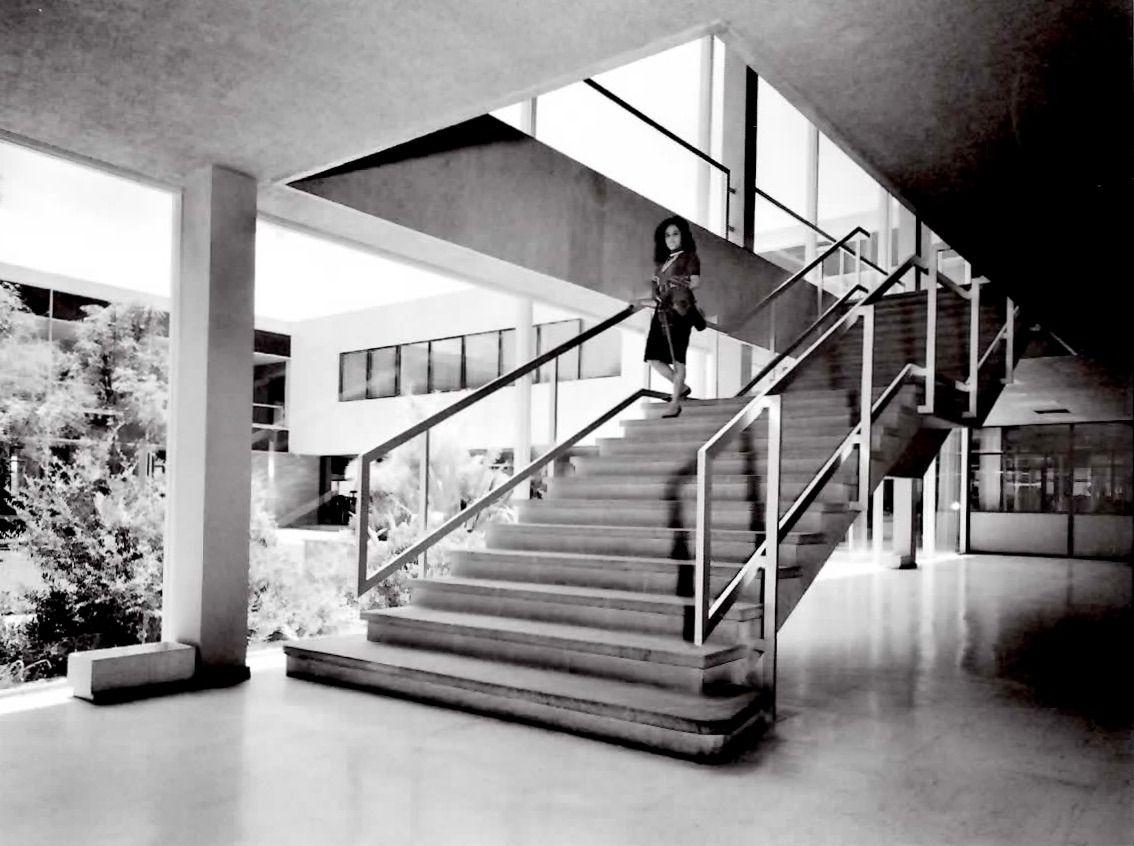Escalera Oficinas Centrales Supermercados Sa Sumesa Calzada  # Muebles Roal Azcapotzalco