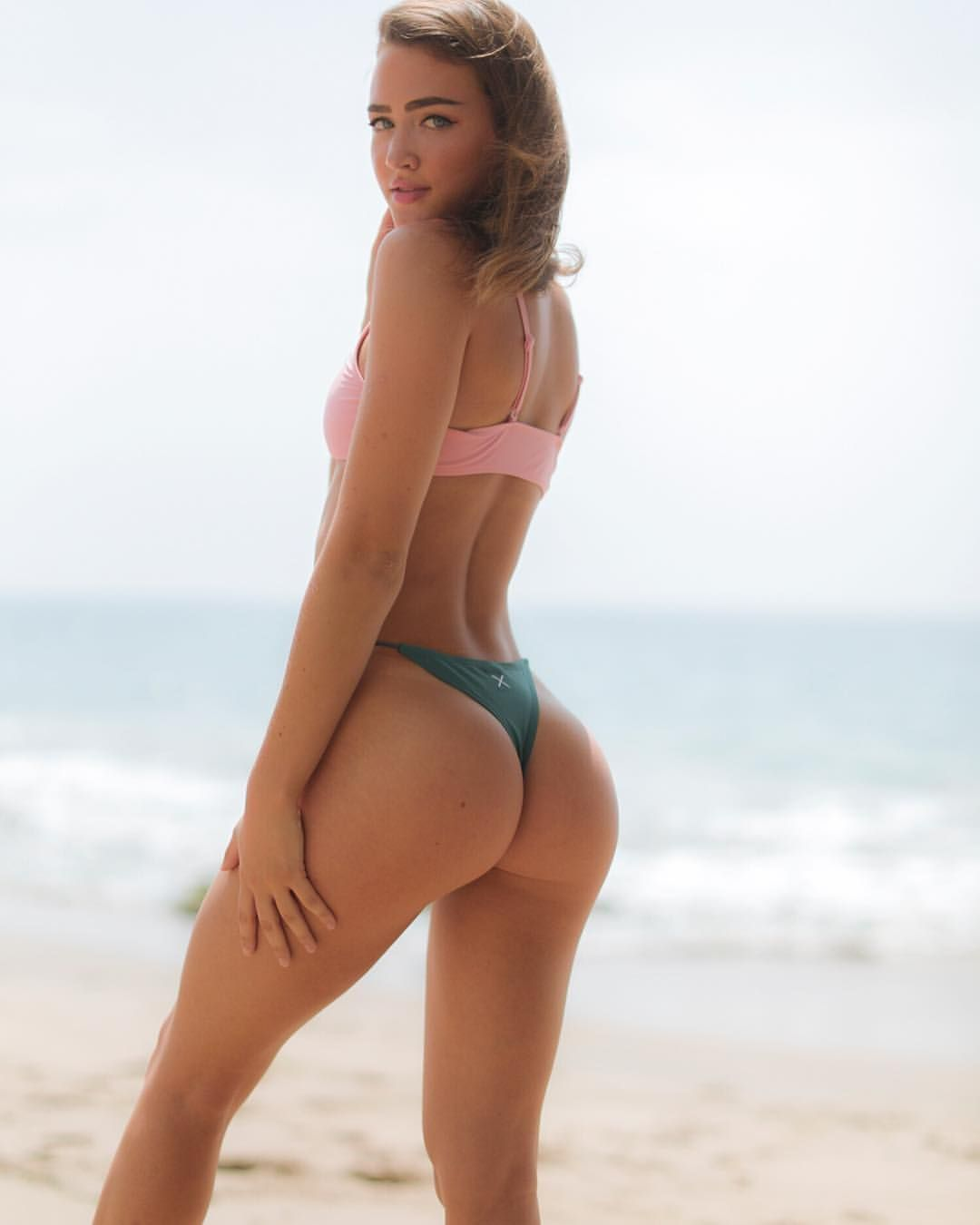 anal-sexiest-thong-bikini-kings-tranny-surprise