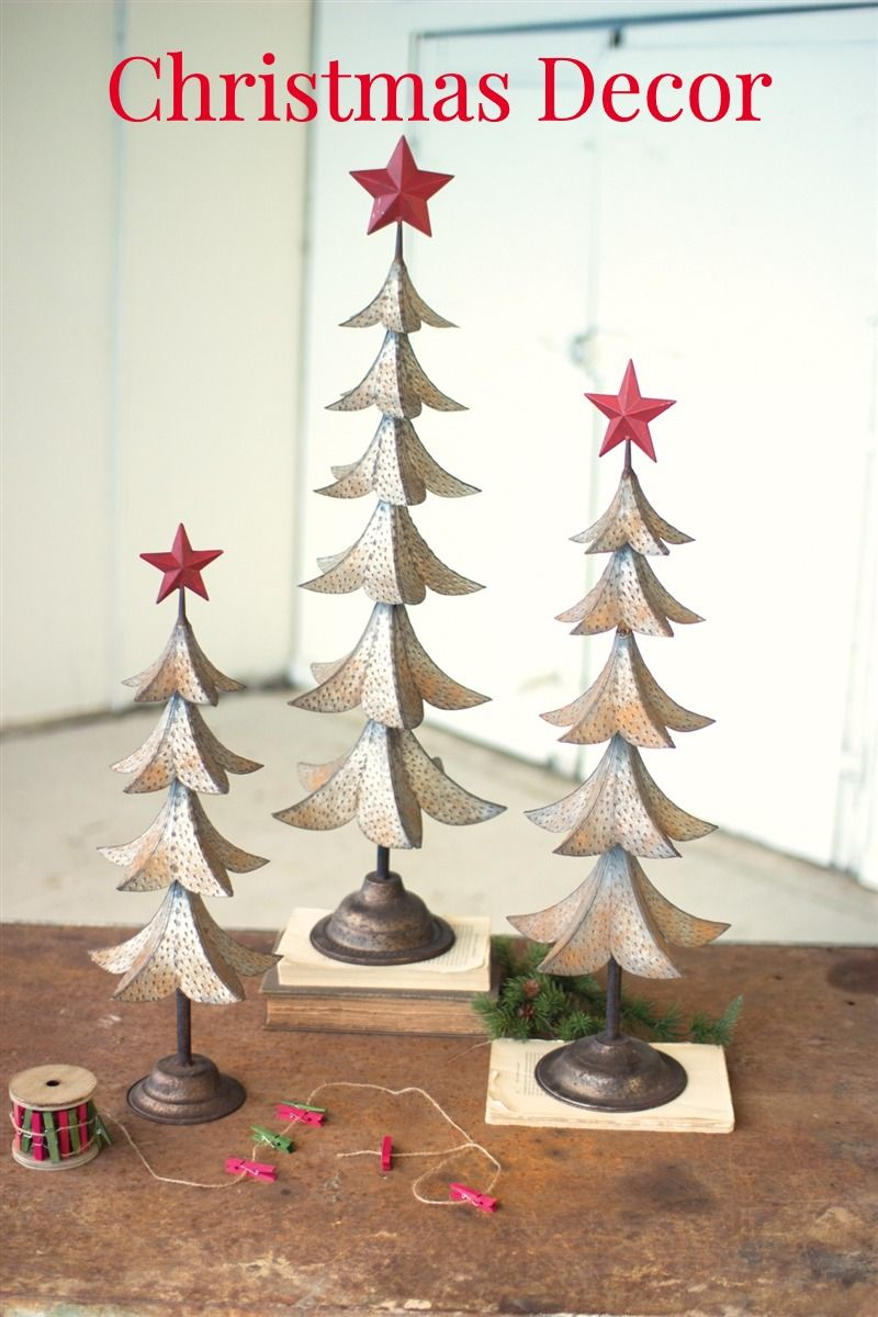 Set Of 3 Metal Trees With Red Star Rustic Metal Christmas Trees In 2020 Metal Tree Wall Art Metal Tree Art Gallery Wall