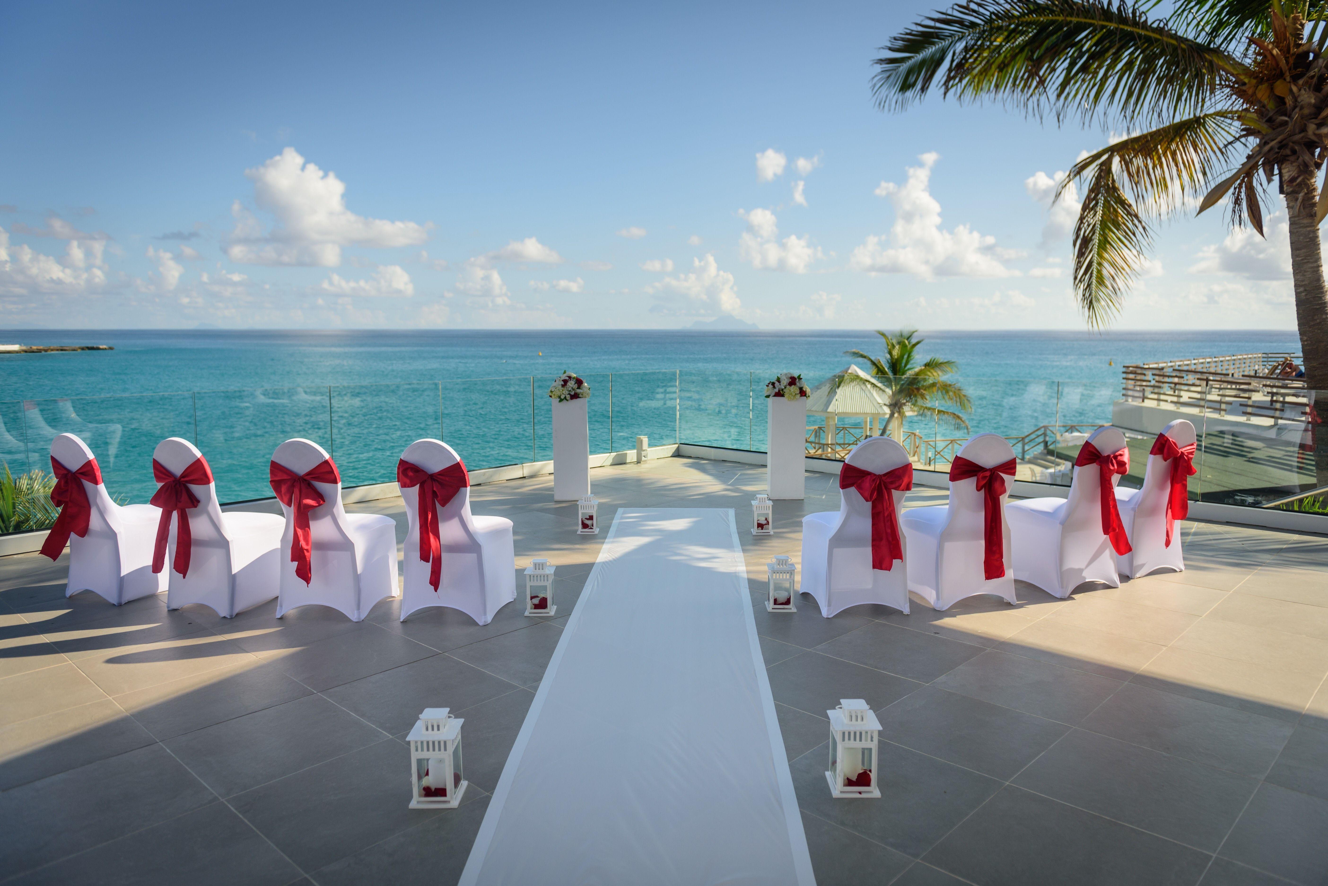 Rose And La Mont S Wedding At Sonesta Maho Beach Wedding Venues