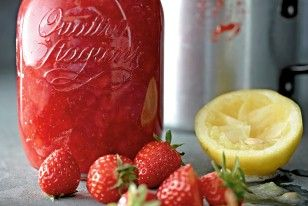 Das Rezept für Erdbeer-Aperol-Konfitüre und weitere kostenlose Rezepte auf LECKER.de