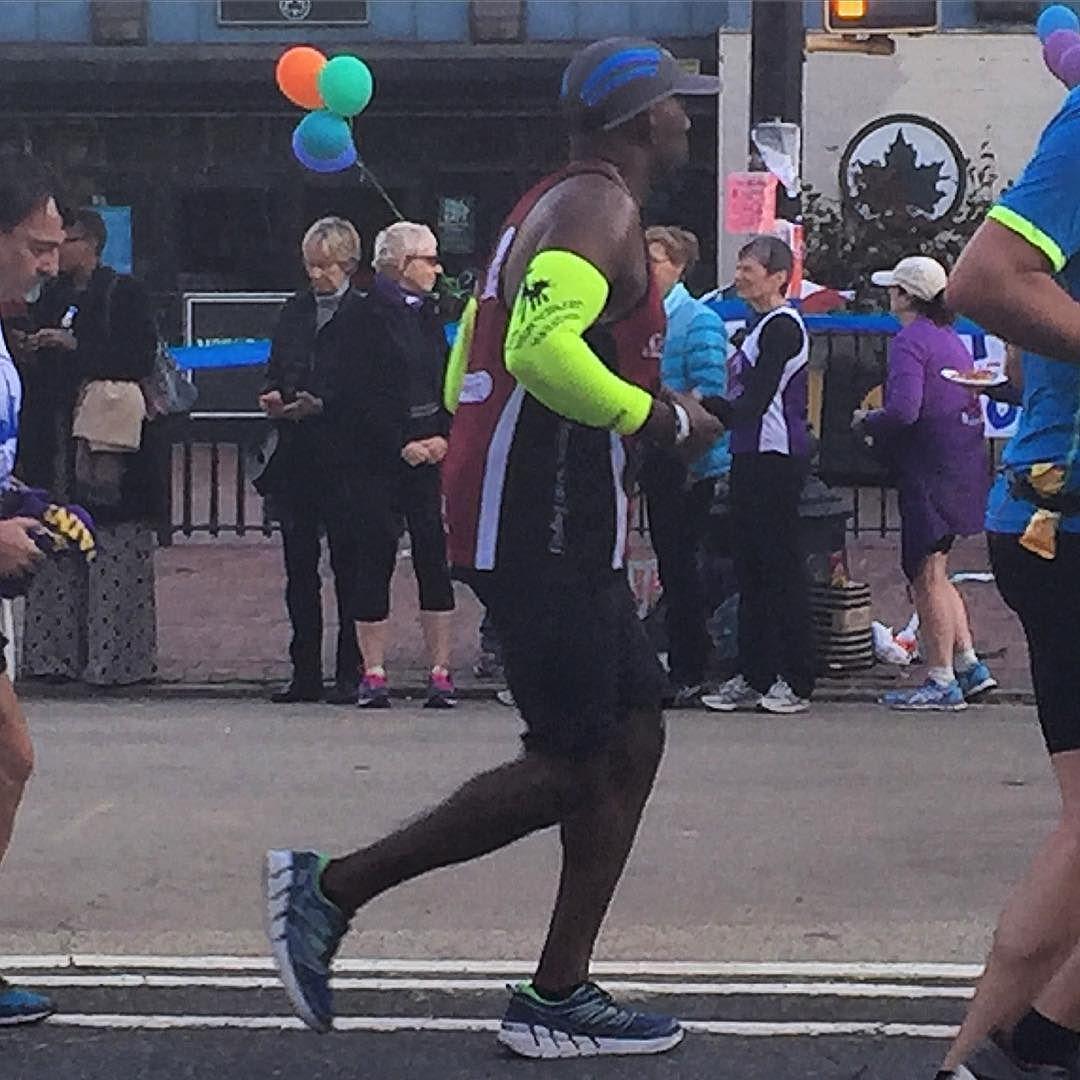 #nycmarathon #tcsnycmarathon #nyc #runner #running #tutu #streetstyle #styleblogger #milemarker22 #harlem by nyer30