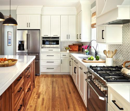 Most Popular Kitchen On Houzz 2020 Kitchn In 2021 White Shaker Cabinets Kitchen Cabinets White Kitchen Cabinets
