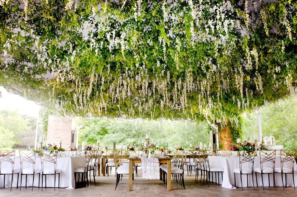 The 10 Most Beautiful Wedding Venues In Chicago Garden Wedding Venue Outdoor Wedding Venues Illinois Wedding Venues