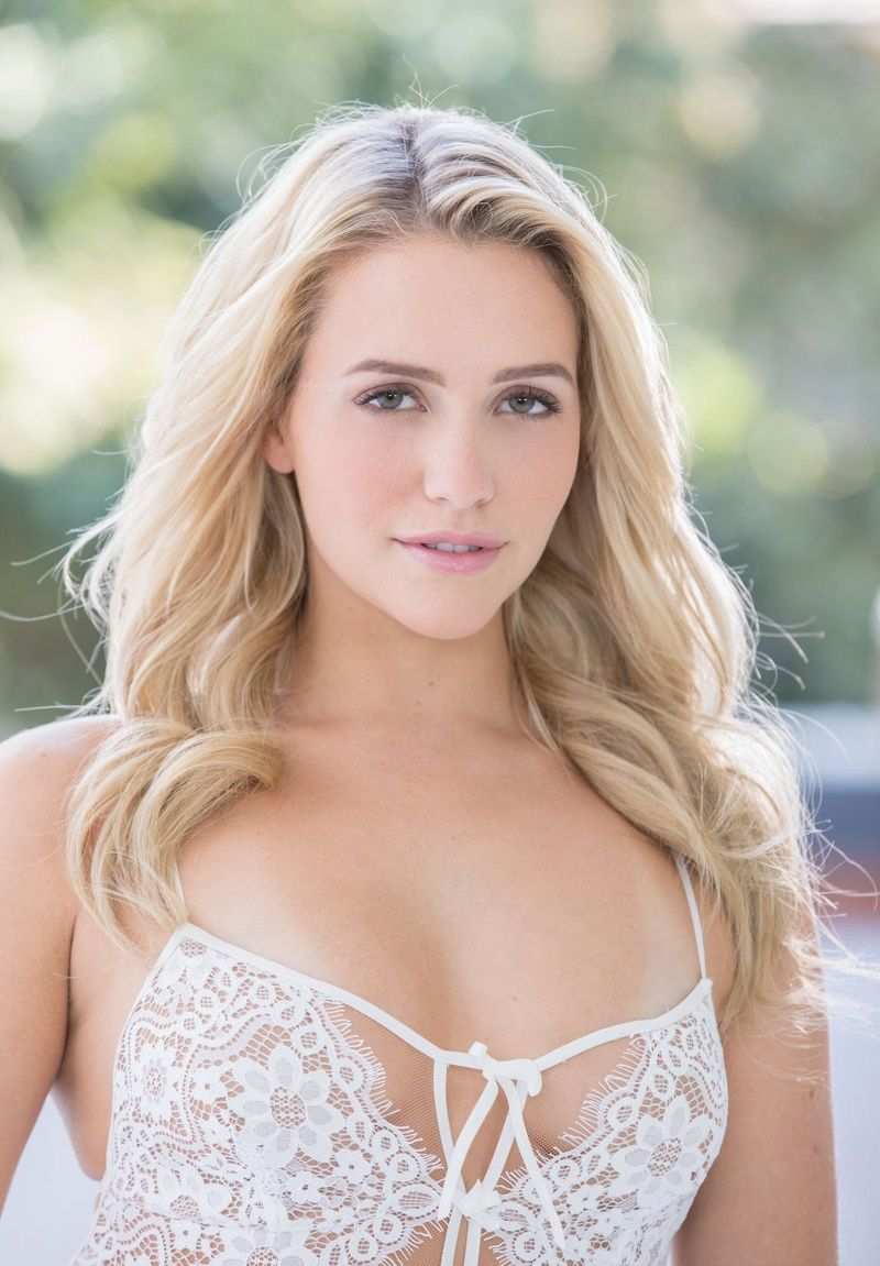 Angel In White Mia Malkova Mia Malkova Pinterest