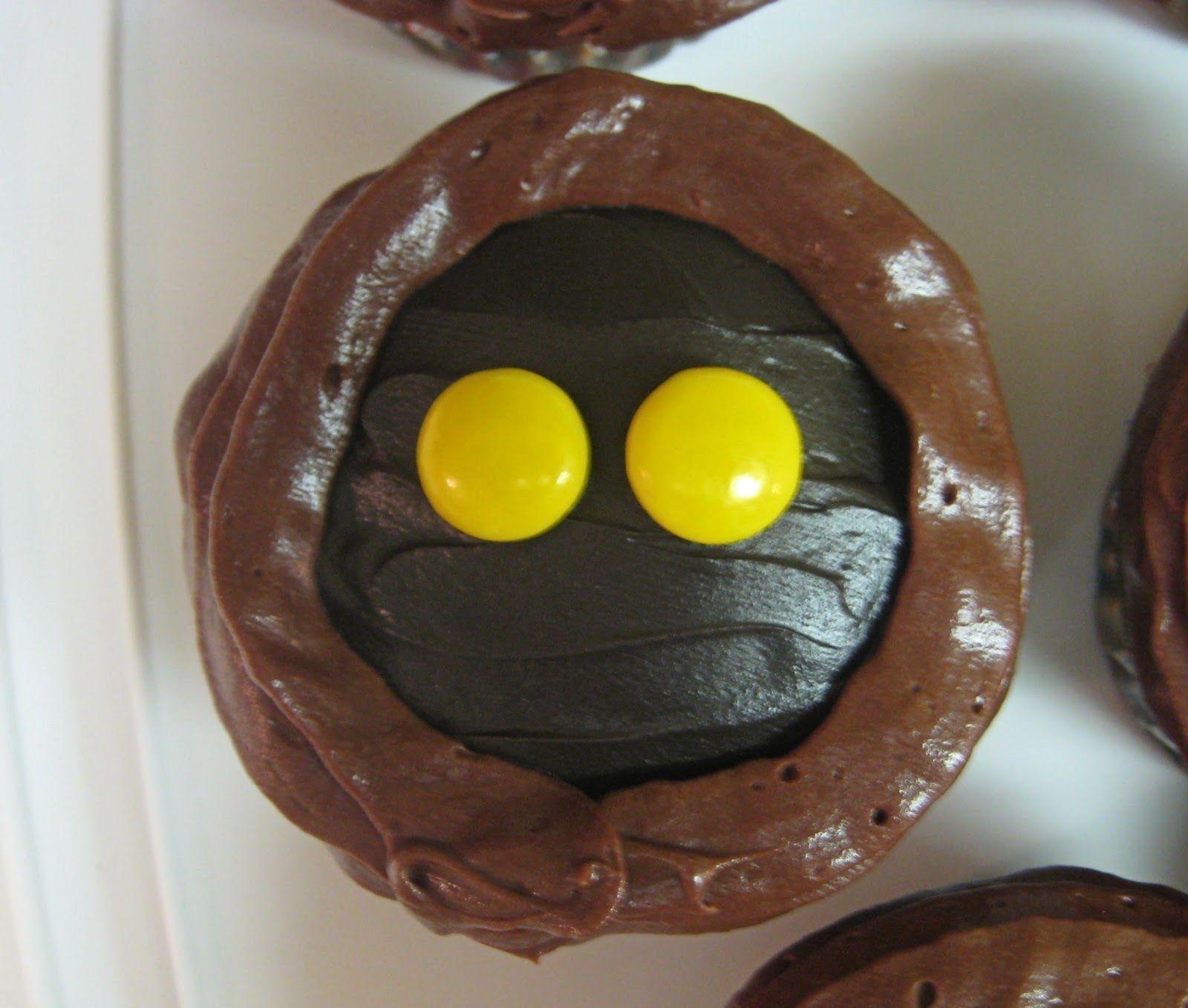 Star Wars Jawa Cupcakes - Close-Up of Jawa Cupcake