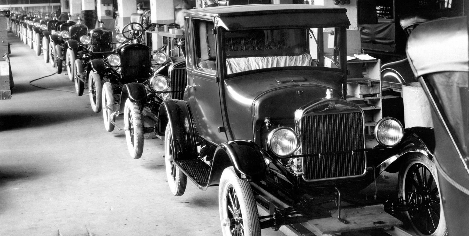 1929 Model T Production Line / Henry Ford was instrumental