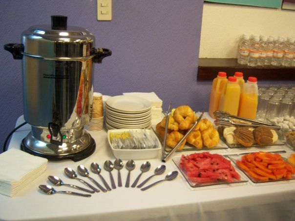 Coffee break ejecutivo decoracion mesas buffet pinterest ejecutivo mesas y desayuno - Decoracion buffet ...