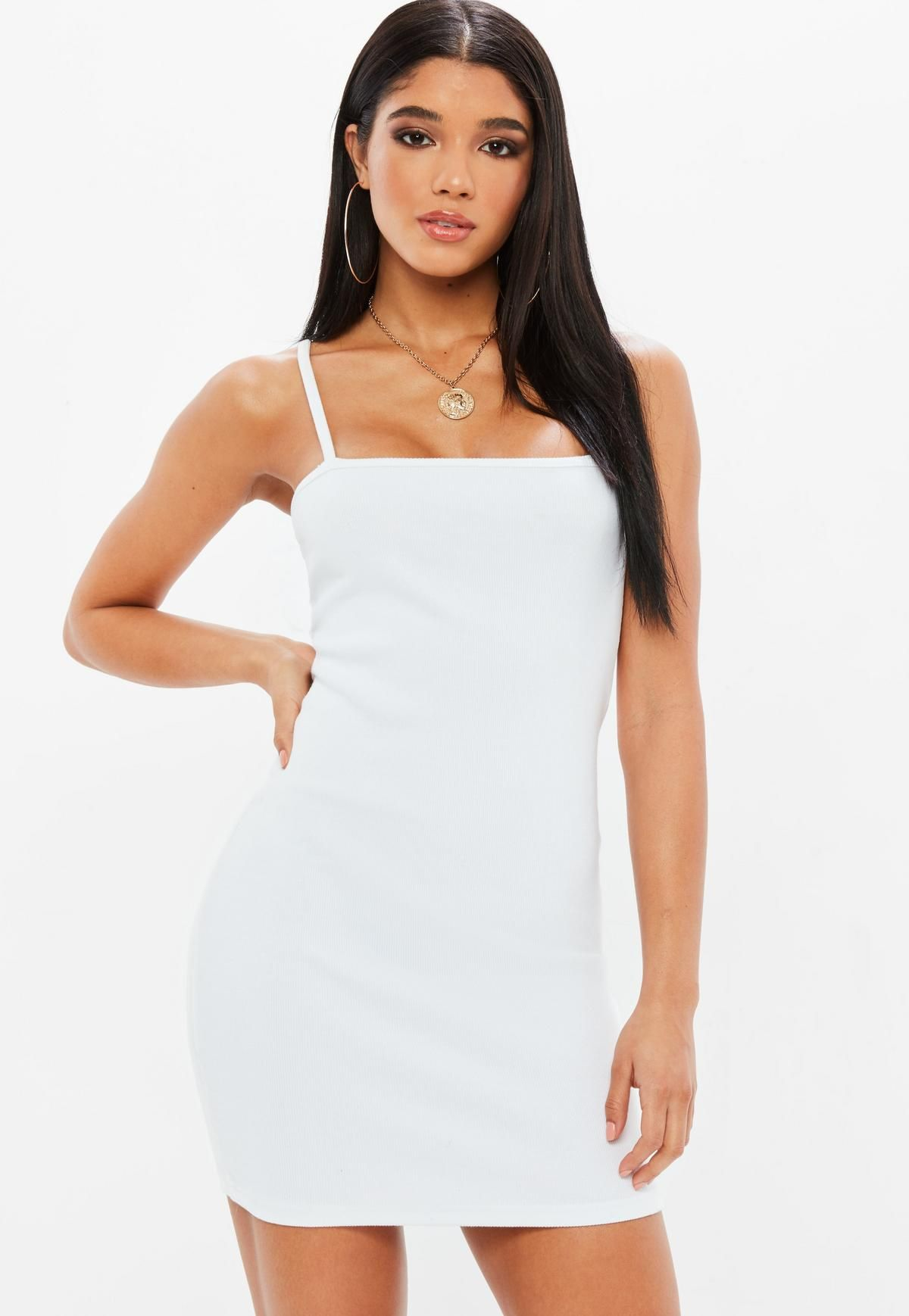 Robe blanche moulante missguided
